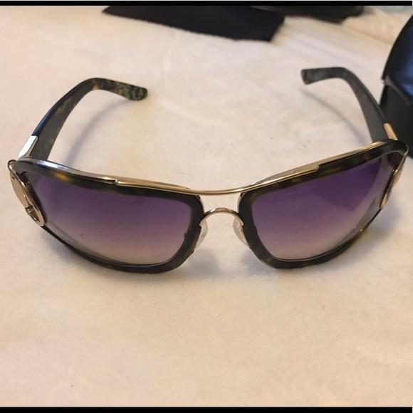 Gucci brown tortoise and gold EUC Sunglasses!